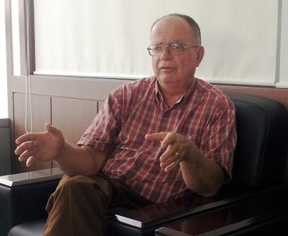 George Archibald at the EAAFP Secretariat office © Minseon Kim