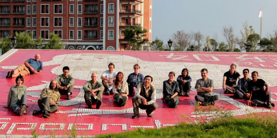 International survey team at the model Spoon-billed sandpiper at Links Hotel, who sponsored SBS in China @ T. Noah
